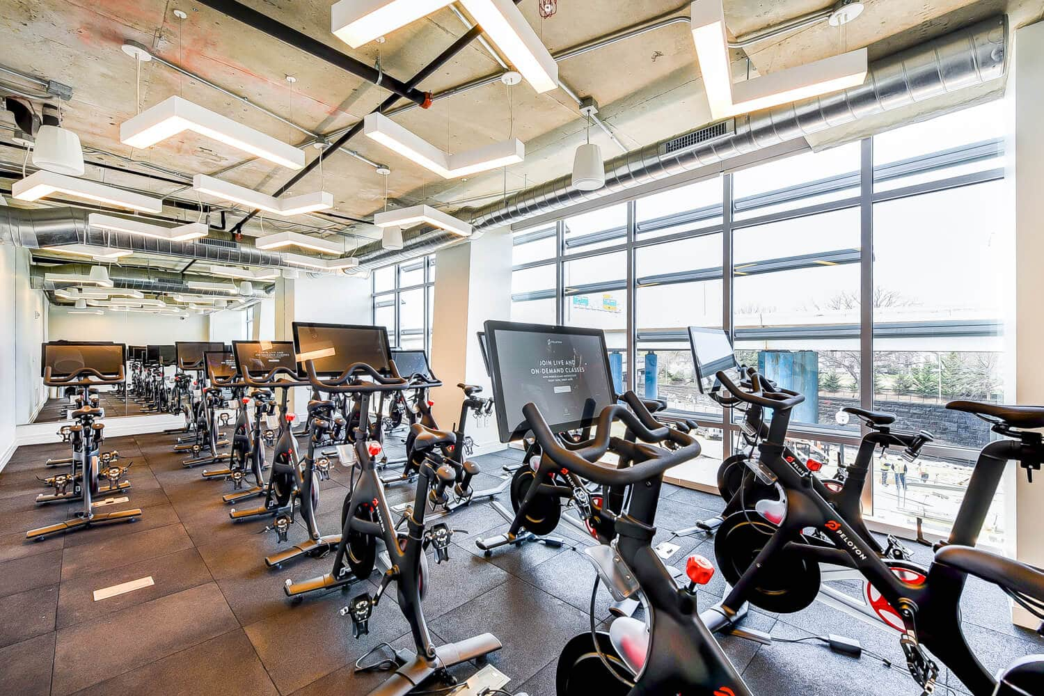Peloton-Spin-Bike-Fitness-Agora-The-Collective