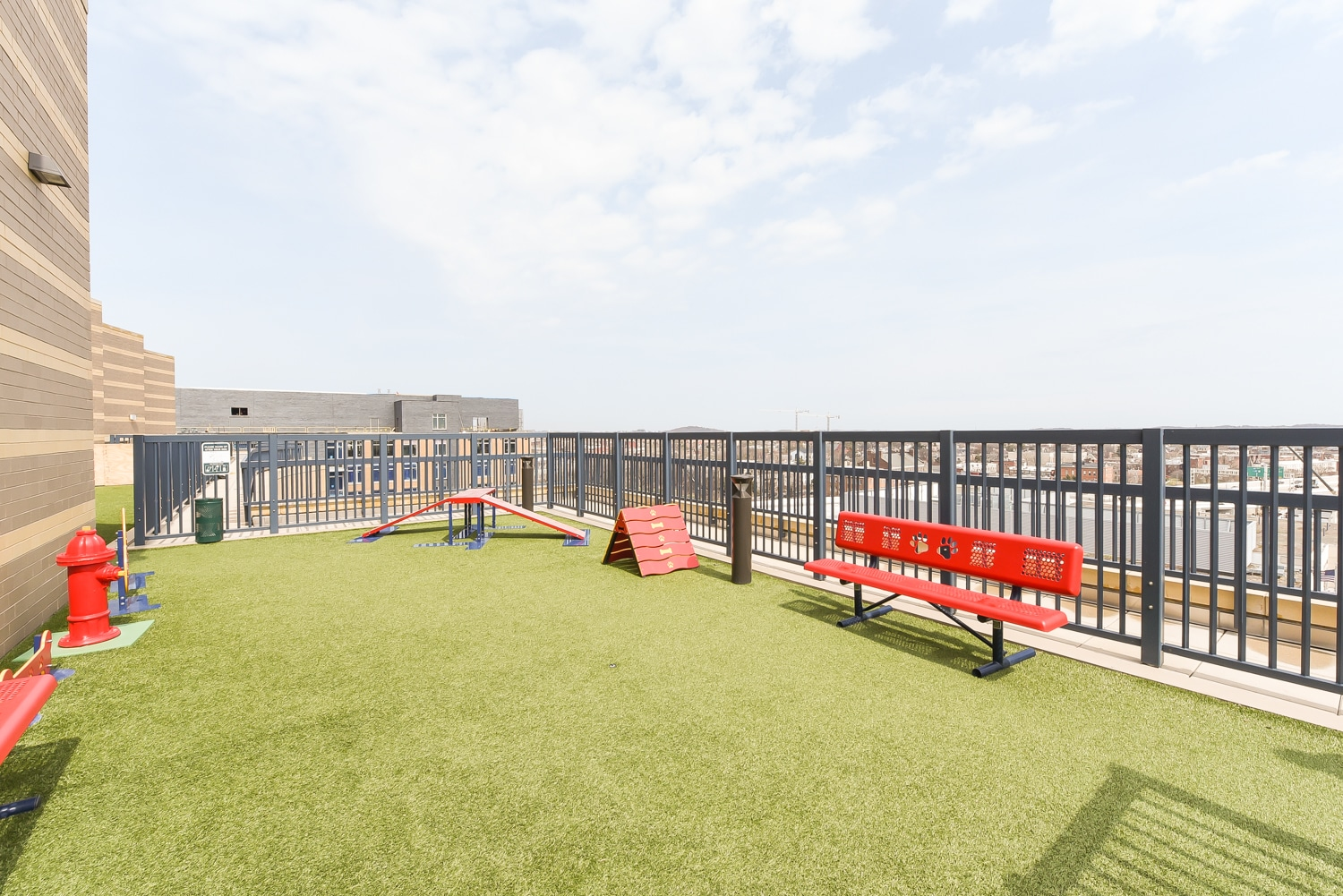 Dog-Park-Rooftop-Pet-Friendly